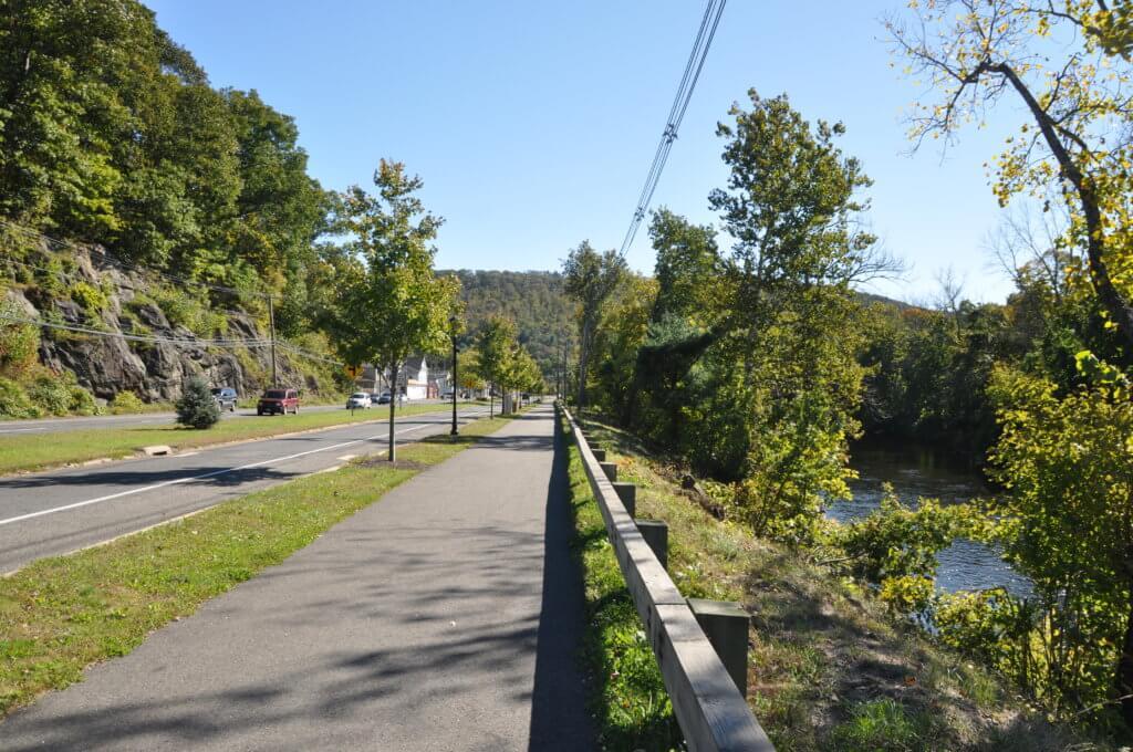Naugatuck river Greenway in Beacon Falls