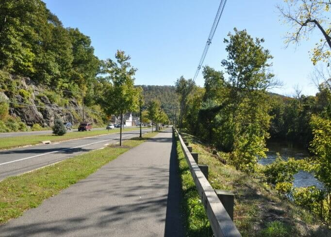 Naugatuck river Greenway in Beacon Falls